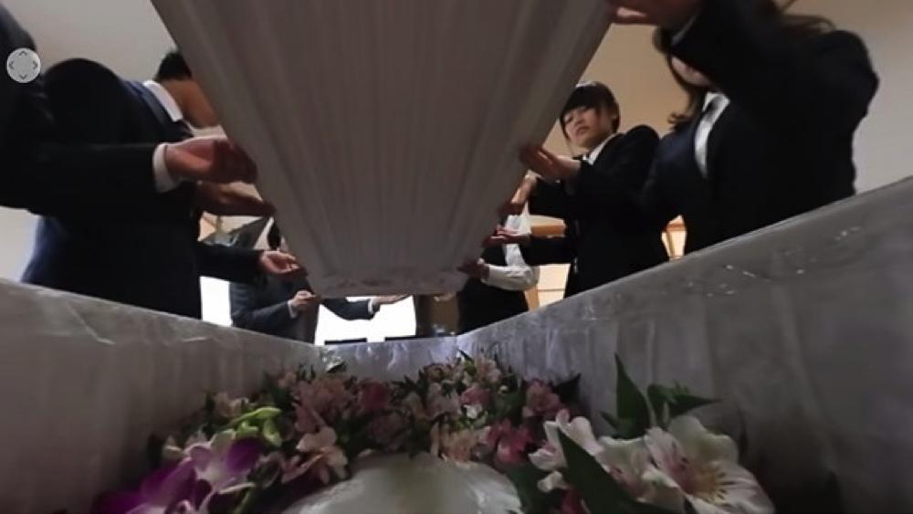 VR葬儀体験