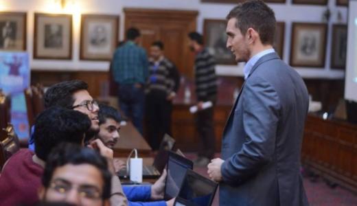 世界のクリエイターを育てる、VRワークショップをパキスタンの大学で開催!!